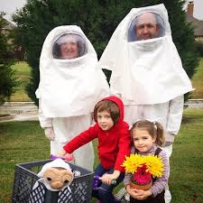 59 family halloween costumes that are clever cool and extra cute