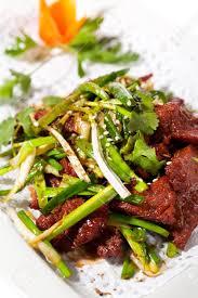 cuisine chinoise boeuf aux oignons cuisine chinoise boeuf sauté aux oignons et épices chinois banque