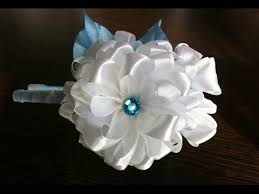 the hairband the decoration on the hairband kanzashi white flower