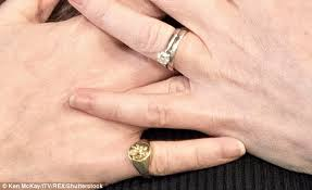 signet wedding ring girl about town geri horner sports a signet ring daily mail online