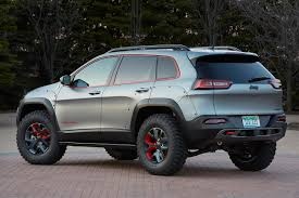 jeep trailhawk lifted official jeep reveals two new cherokee and a new grand cherokee
