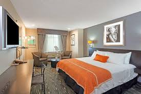 2 bedroom suites in hollywood ca ramada plaza inn west hollywood los angeles ca booking com