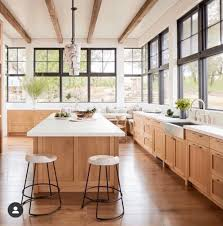 oak kitchen cabinets a comeback 7 ways to create a fresh looking kitchen with pale wood