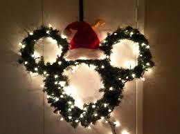 hand made mickey mouse wreath madebyjenn disney pinterest