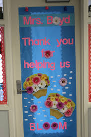 backyards decorating classroom doors door amazing decorations