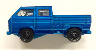 matchbox range rover matchbox previews the upcoming land rover discovery police vw