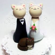 family wedding cake toppers how to find the cat wedding cake toppers in ten seconds