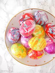 diy nail polish marbled easter eggs
