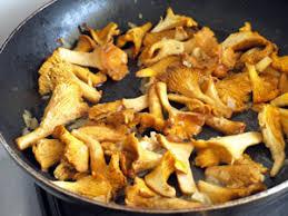 cuisiner les girolles fraiches spaëtzle sautées aux girolles cookismo recettes saines faciles