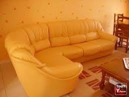 canape jaune cuir canape jaune cuir changer couleur canap cuir fresh canap alcantar