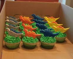 dinosaur cupcakes dinosaur cupcakes laly s cake dinosaur cupcakes