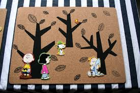 a snoopy brown thanksgiving table denna s ideas