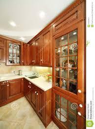 cuisine du placard placards de cuisine évier et partie supérieure du comptoir en bois