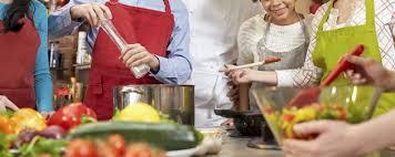 ateliers cuisine ateliers de cuisine dans les maisons de jeunes ça va chauffer