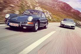 porsche carrera 2012 old meets new porsche 911 twin test u2013 1965 911 vs 2012 991 car