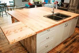 comptoir de cuisine sur mesure îlot sur mesure espace bois