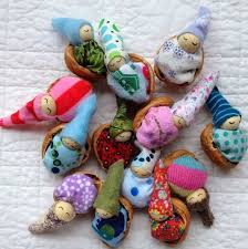 Waldorf Christmas Decorations 253 Best Walnut Shell Crafts Images On Pinterest Walnut Shell