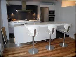 cuisine en coin cuisine et coin repas en matériaux solid surfaces corian