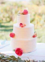 simple wedding cake 15 beautifully simple wedding cakes