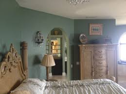 what color to paint bedroom to sell house adjoining room beige pic