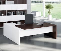 Uk Office Desks Executive Desks Furniture From Southern Office Furniture