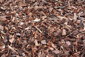Best Type Of Mulch For Vegetable Garden - what is the best mulch benefits and drawbacks of various mulch