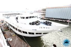 halloween boat party sf 2017 hip hop vs reggae yacht party 1 source for all cruise tickets