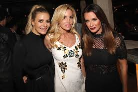 lisa rinna kyle richards camille grammer at charity event