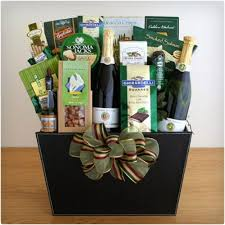 Wine And Country Baskets 39 Wine Gift Baskets They Will Love Dodo Burd
