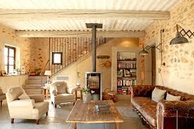 decor cheminee salon ambiance bois deco cosy accueil design et mobilier