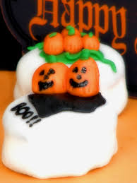 halloween fondant cakes halloween petit fours and homemade marshmallow fondant big