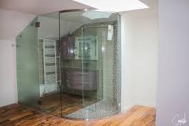 salle de bain dans la chambre porte en verre design choix du motif de votre vitre