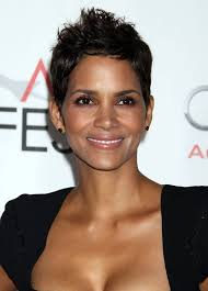 pixie haircut women over 40 halle berry short pixie haircut hairstyles for women over 40