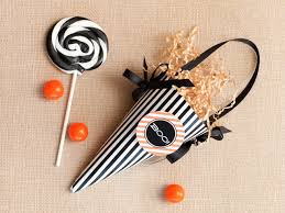 halloween candy favors halloween party favor make a treat cone hgtv