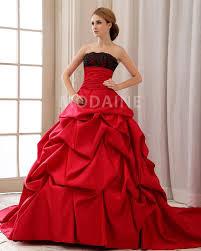 robe de mariã e en couleur robe de mariée classique en couleur sans bretelle bouillonnée