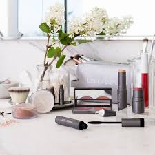 Makeup Chairs For Professional Makeup Artists Makeup Artists Tips For Flawless Skin Byrdie