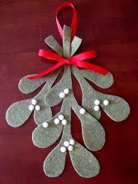 diy felt christmas ornaments chickabug