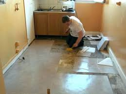 revetement de sol cuisine pvc dalle vinyle imitation carreaux ciment