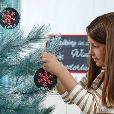 20 ways to dress up plain ornaments