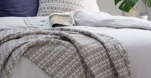 plaids en laine klara plaid 100 laine d u0027agneau 200 x 200 cm gris argenté made com