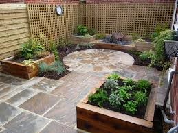 Courtyard Garden Ideas Courtyard Garden Low Maintenance Raised Beds Creating Interest