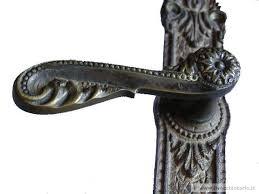 maniglie porte antiche fusione maniglie ottone