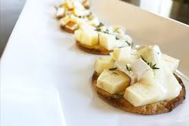 Easy Appetizers Easy Delicious Brie Apple And Thyme Melts Appetizers Merry