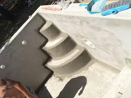 Escalier D Angle Piscine Beton Enduit De Finition Sur L U0027ensemble De La Piscine Et Finalisation