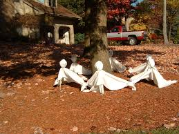 Halloween Decorations For Adults 10 Scary Halloween Decoration Ideas For Your Garden
