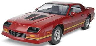 model camaro amazon com revell monogram 85 camaro z 28 plastic model kit