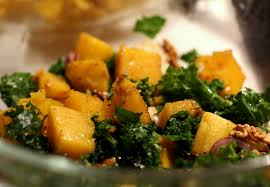 comment cuisiner le chou kale recette automnale salade de chou kale courge butternut rotie et