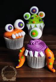dinosaur cakes and cupcake designs roaringly prehistoric