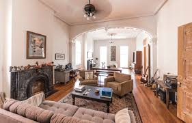 West Elm Carroll Bench House Tour A Historic Remodeled New Orleans Home Apartment Therapy
