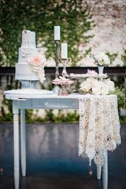 Cake Table Decorations by Wedding Cakes Best Size Table For Wedding Cake The Amazing Tips